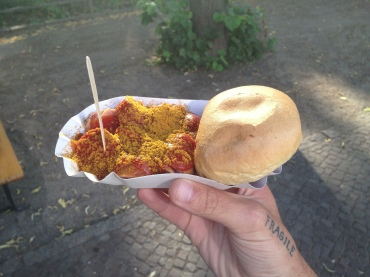 curry wurst biatch